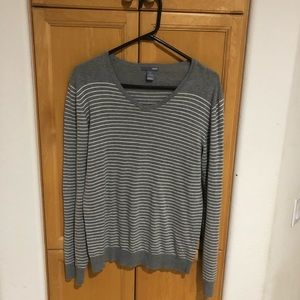 H&M's long sleeve light sweater men's size S